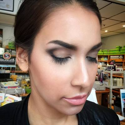 Natural makeup with Instagram brow